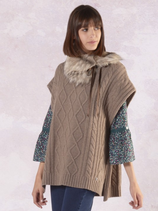 Cape with rhombuses