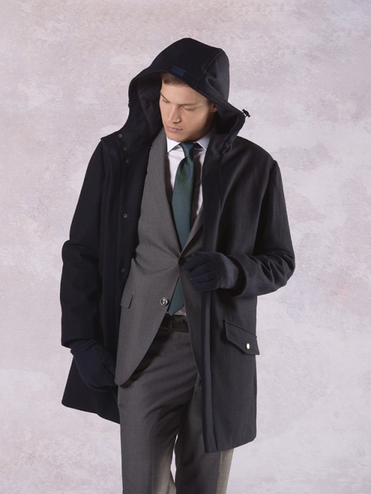 Hooded coat with zip