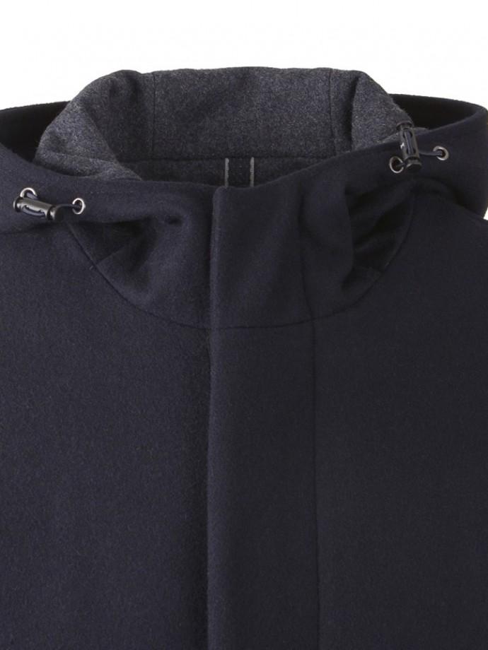 Abrigo con capucha y cierre