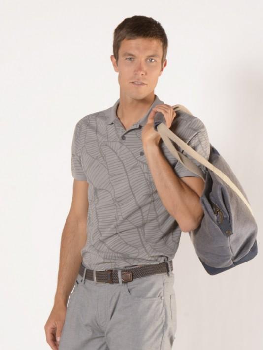 Polo manga curta com padrão