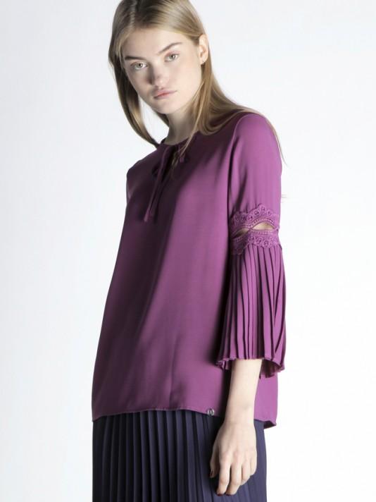 Lace detail tunic