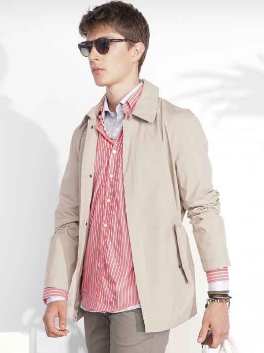 Jacket with hidden zip