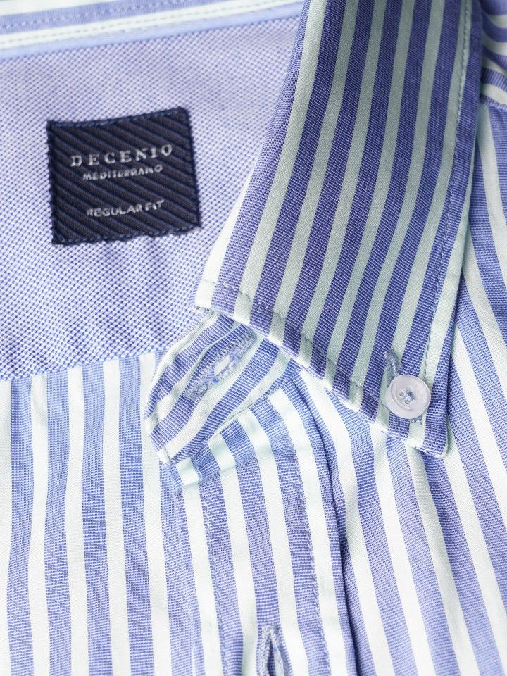 Camisa regular fit riscas