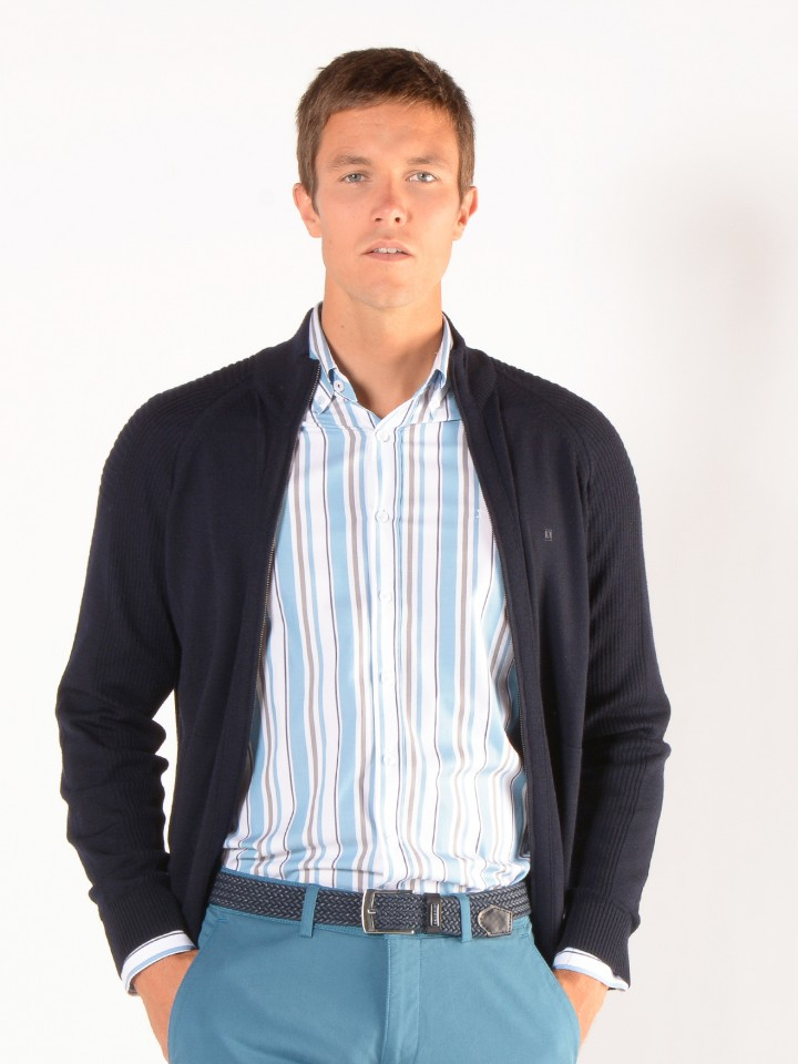 Camisa slim fit riscas
