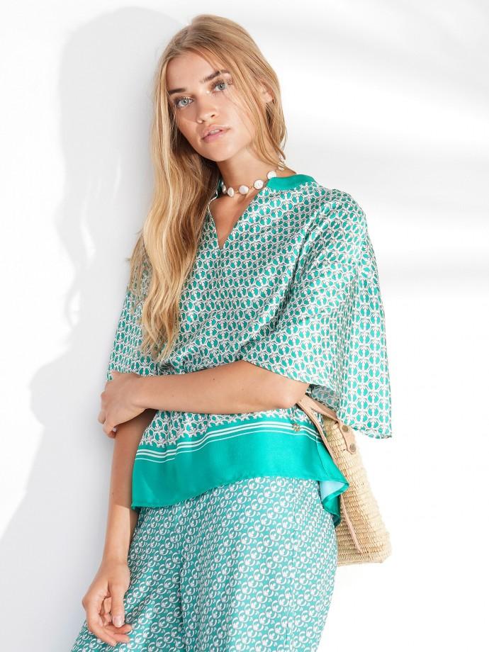 Short sleeve patterned blouse