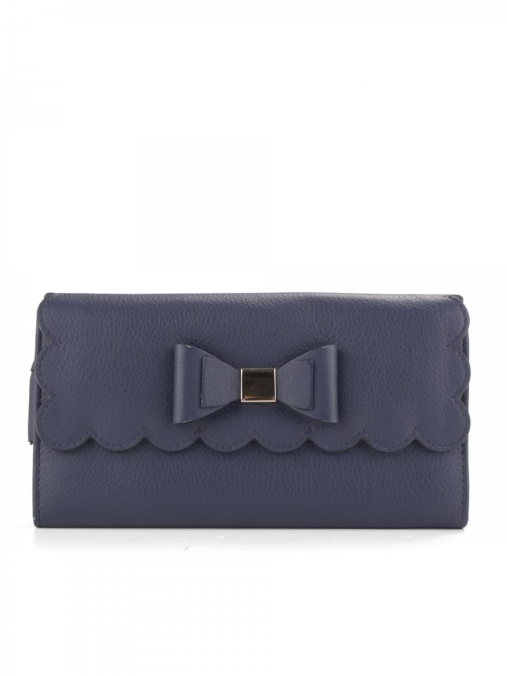 Wallet with bow