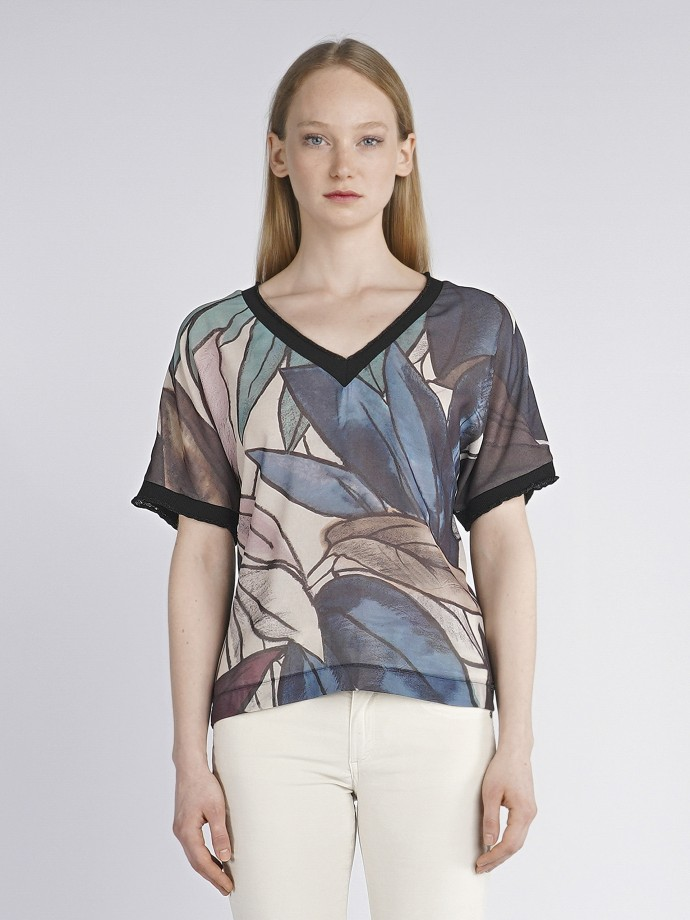 Printed leaf t-shirt