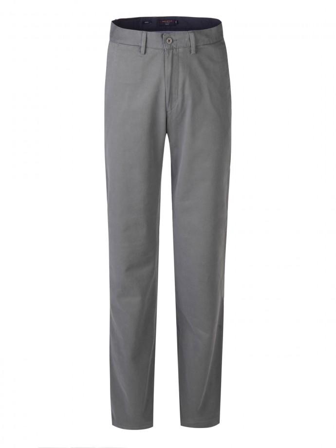 Pantalón slim fit en sarja