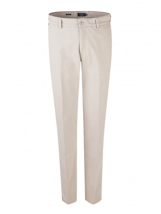 Pantalón chino regular fit en sarja