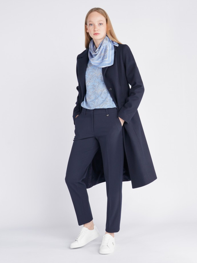 Coat with buttons