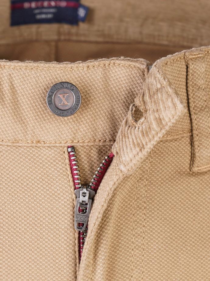 Calça 5 pocket slim fit em sarja