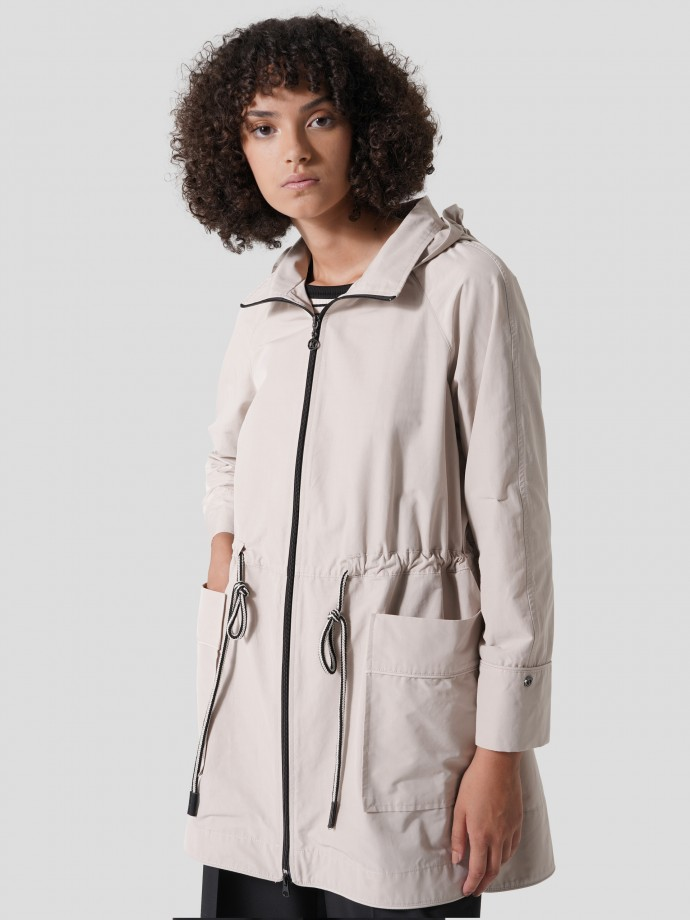 Long parka with adjustable hood