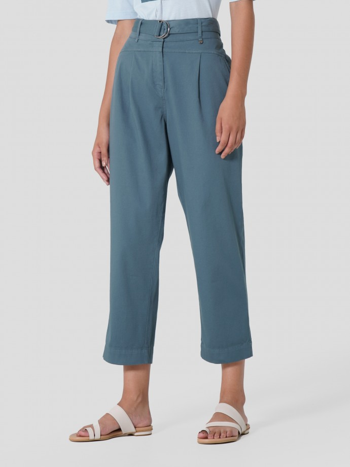Short trousers in stretch cotton