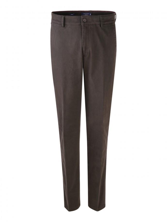 Pantalón chino regular fit en sarja