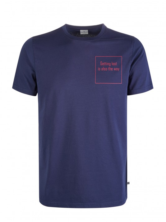 T-Shirt com mensagem bordada