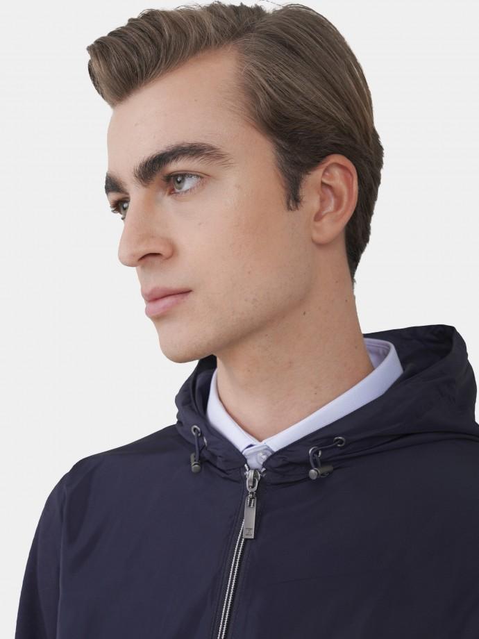 Blusão com capuz