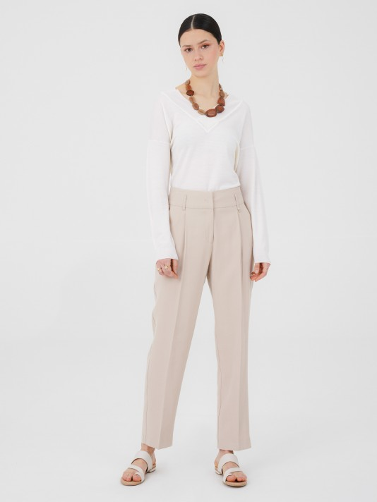 Chino trousers with raised belt