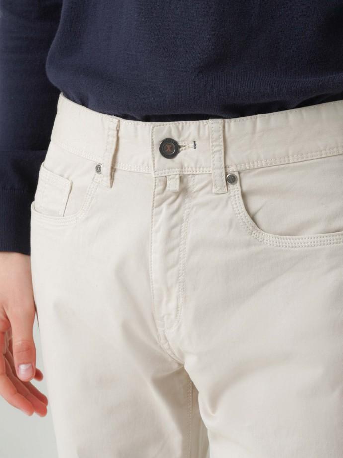 Calças cinco bolsos regular fit