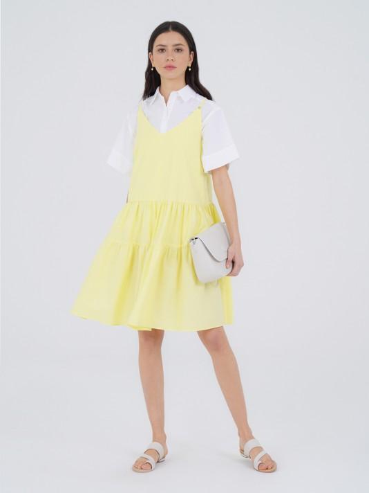Gown with evasé straps