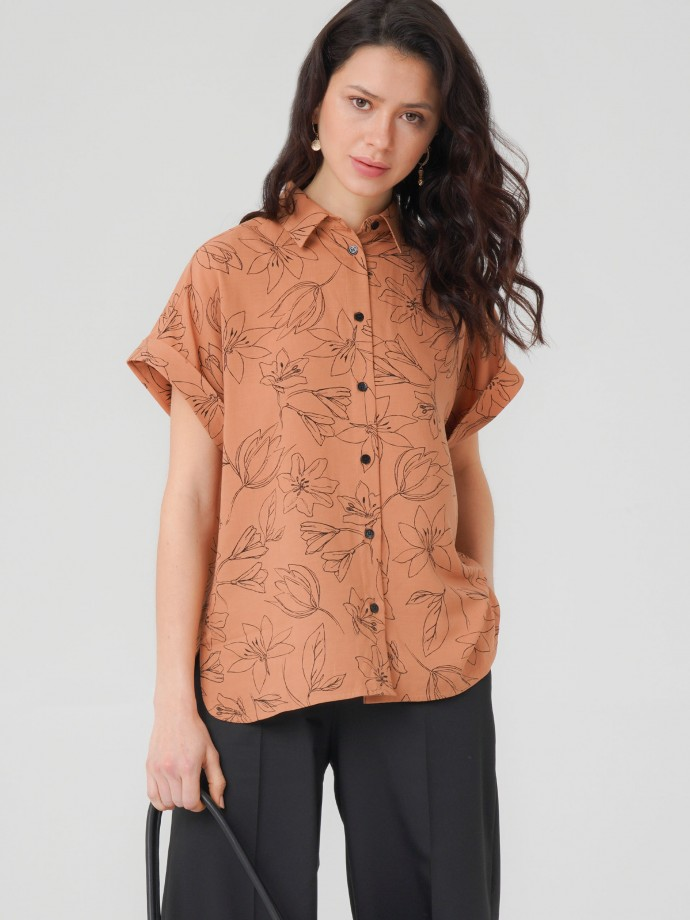 Shirt with floral print