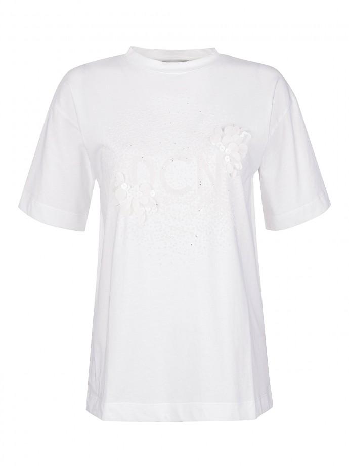 T-shirt com aplicação DCN