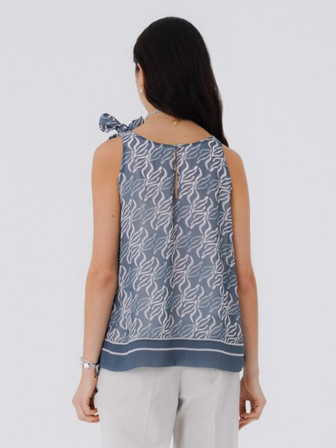 Sleeveless top with geometric print