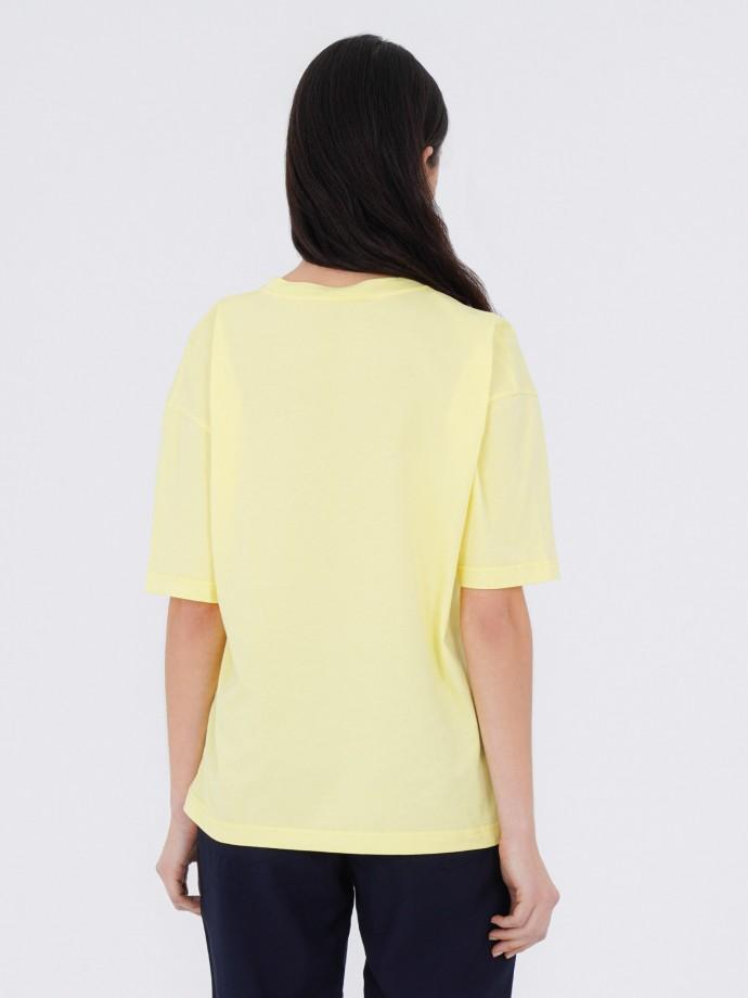 T-shirt 100% algodão bordada