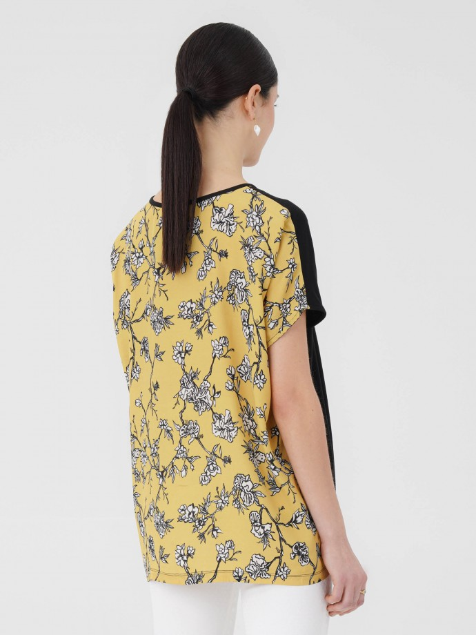 Tunic with printed flowers