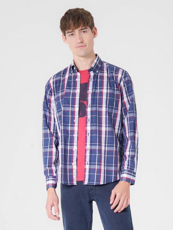 Camisa regular fit xadrez em popelina