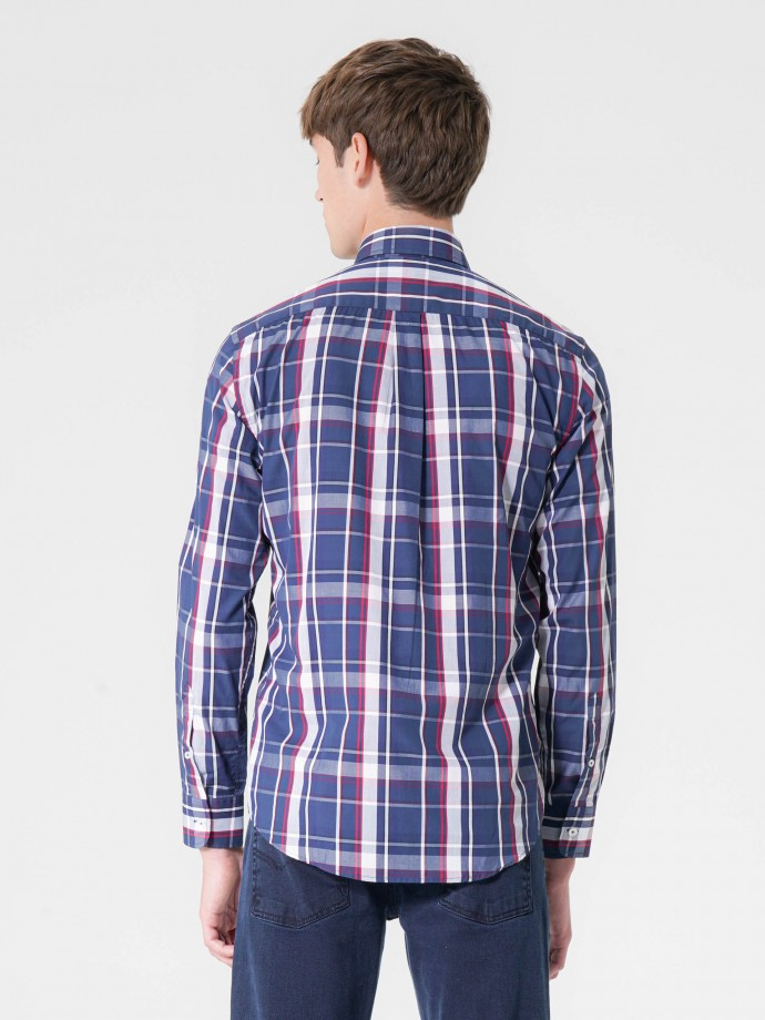 Camisa regular fit cuadros en popelina