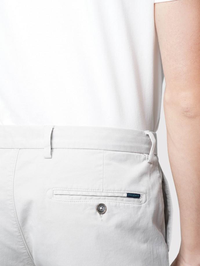 Calças chino slim fit em algodão stretch