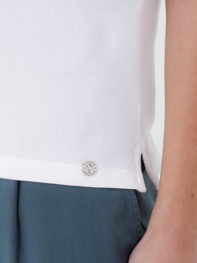 Customizable polo shirt