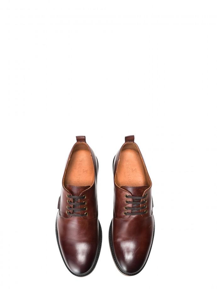 Sapato em pele