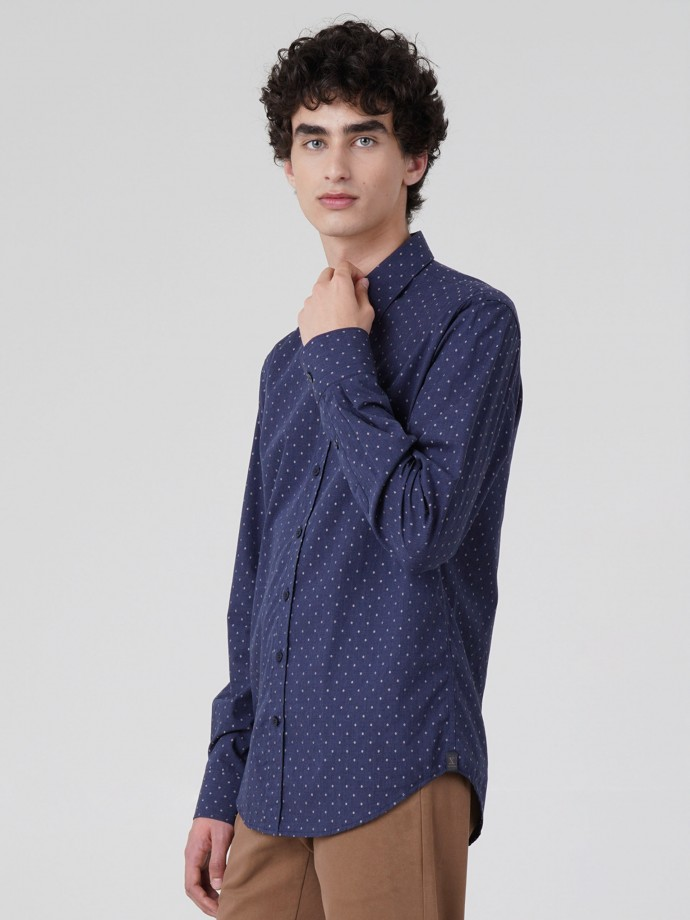 Camisa slim fit com pintas