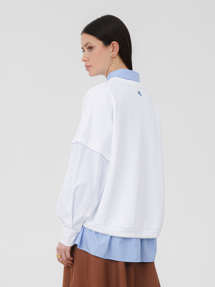 Sweatshirt combinada com bordado